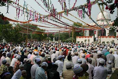 Not only the mosque but also its garden are filled with worshippers for Eid