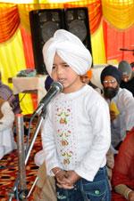 Prabh Noor telling Maharaj's history
